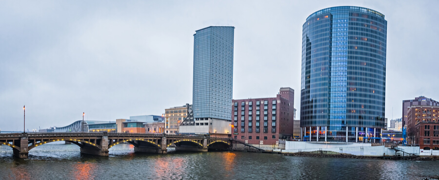 grand rapids michigan city skyline